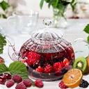 Фруктовый чай При производстве ароматизированного чая «HANSA TEE GmbH» используются только натуральные ароматические добавки, приготовленные из цветочных масел, концентрированных соков ягод и фруктов, экзотических специй, лекарственных трав и пряностей, что подтверждено европейским знаком BIO. Это ...